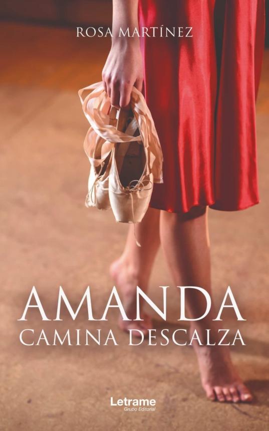 Amanda camina descalza